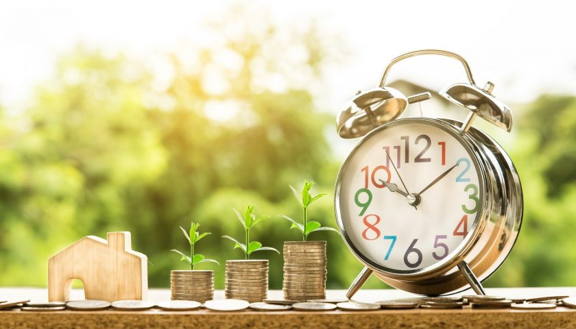 Forderungsankauf - Begriff, Vorteile und Ankauf der Forderungen durch Dr. Krieg & Kollegen Factoring Geld Ansprüche Blumen Kleingeld Euro